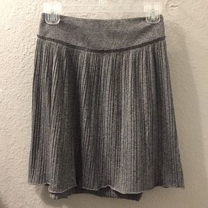 Banana republic petite pleated grey skirt